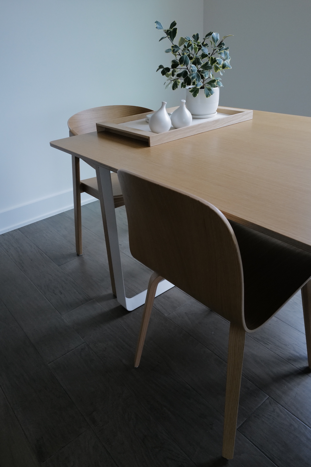 A picture of a table and chairs at an angle.
