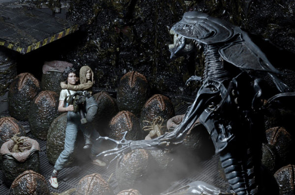 ALIENS DELUXE TWO PACK TOY