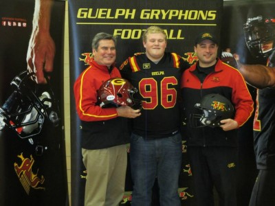CFC 100 defensive lineman signs with Gryphons
