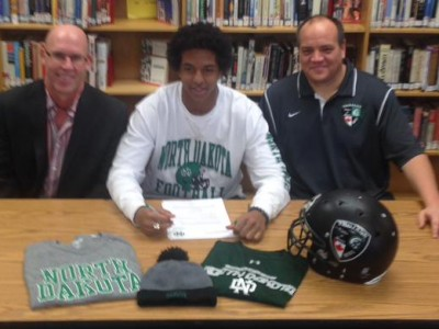 CFC 100 duo sign with NCAA's North Dakota Fighting Sioux