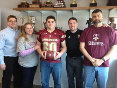 Illinois recruit to add toughness to Stingers offensive line