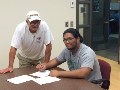 Local recruit signs with Gee-Gees (VIDEO)