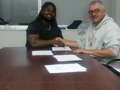 Oshawa recruit signs with Gee-Gees (VIDEO)