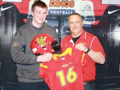 Recruit stays local, picks Dinos (VIDEO)