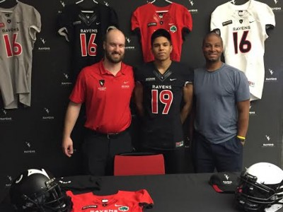 Local recruit signs with Carleton