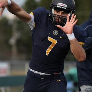 CNDF QB Pelletier commits to Laval Rouge et Or