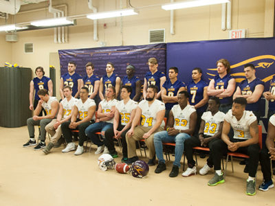 Laurier head coach Michael Faulds speaks to 22 of Laurier's 29 incoming recruits prior to the team's scrimmage last Thursday (Photo Credit: Kha Vo)