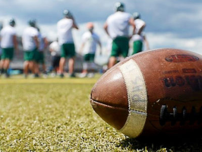 Best approaches to coaching inexperienced football players