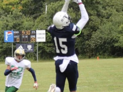 CFC100 WR Macleod loves making the tough catches