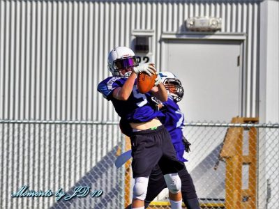 WR Nevraumont pushes his teammates
