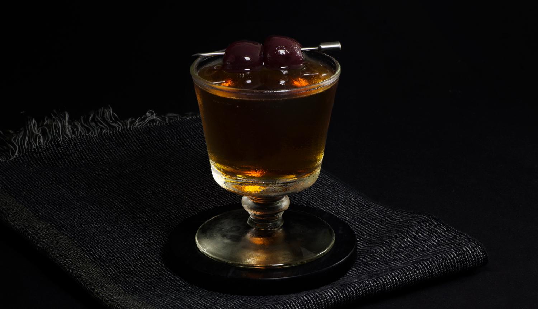 Black Manhattan Cocktail | Tuxedo No 2