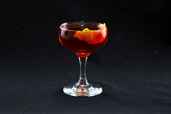 Boulevardier cocktail photo