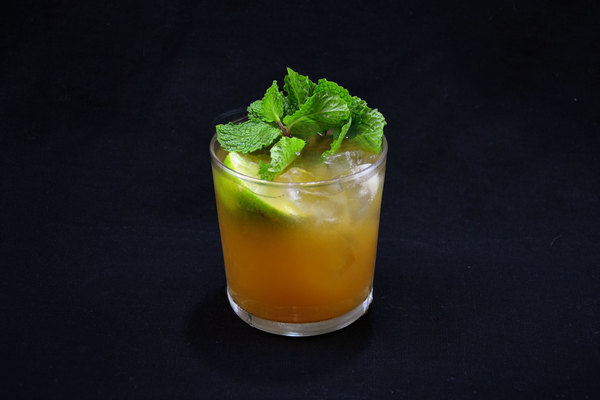 Mai Tai cocktail photo