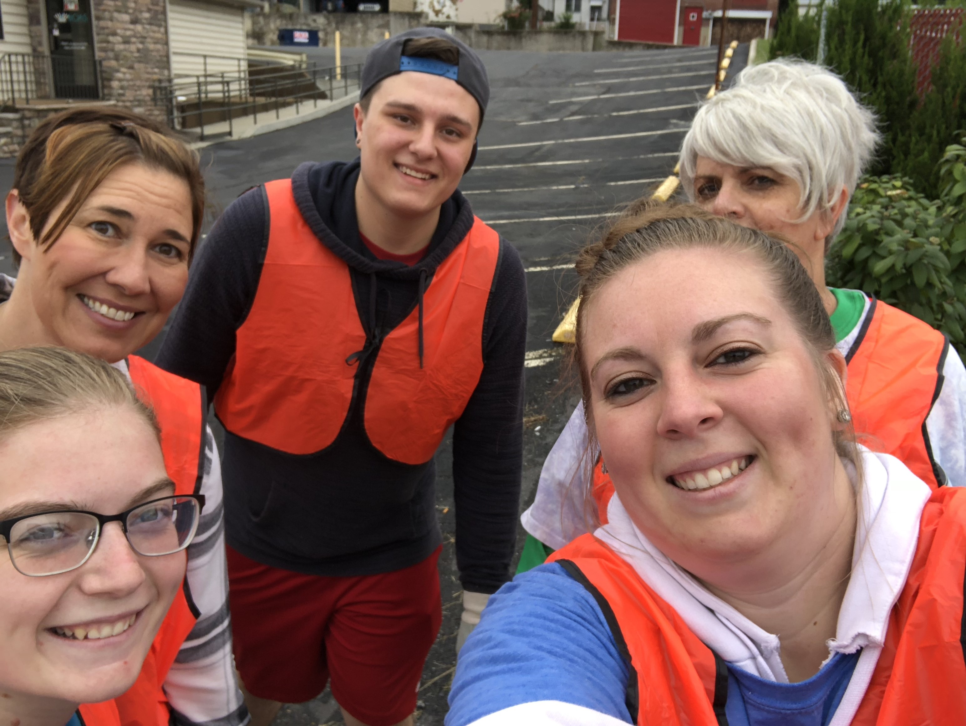 Cleo Cares 2018: Pennsylvania roadway cleanup