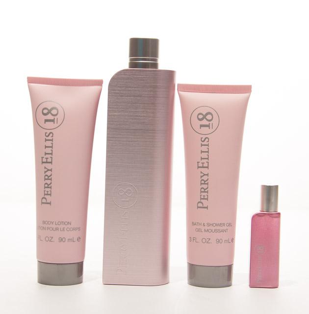 Perry Ellis 18 Perfume Set