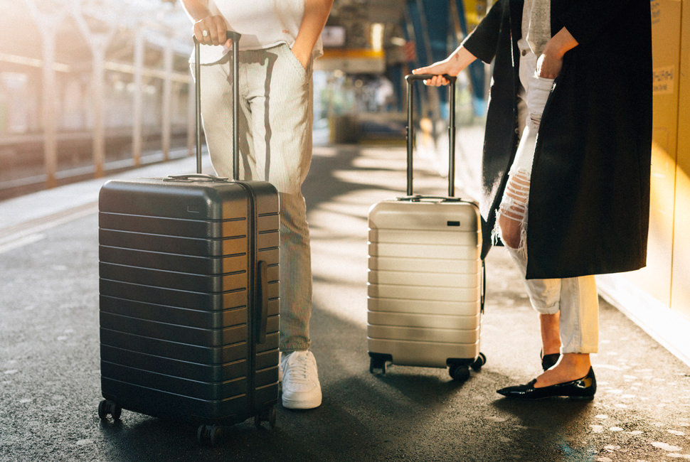 Buy USA Away Luggage Online Store International Shipping