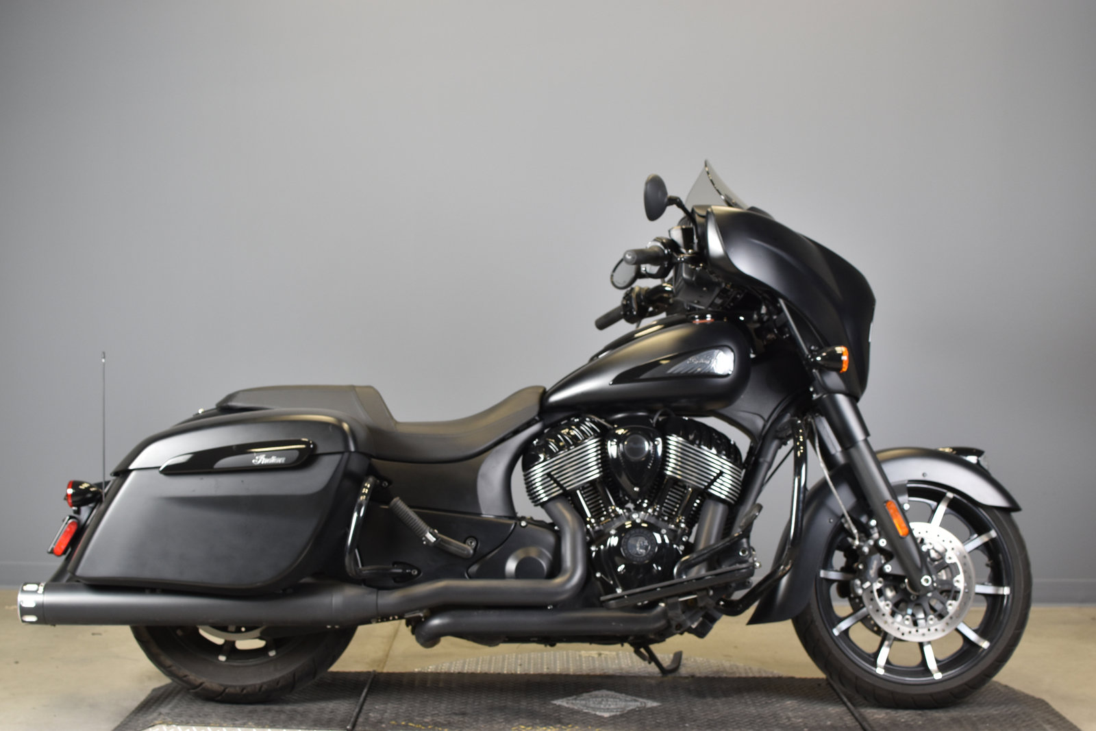 Pre-Owned 2019 INDIAN CHIEFTAIN DARK HORSE