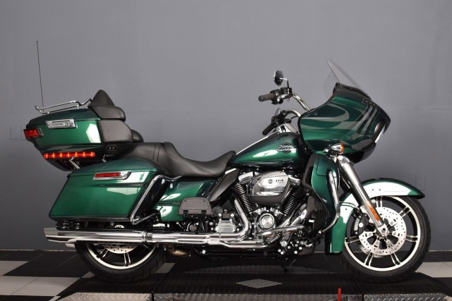 New 2021 Harley-Davidson Road Glide Limited Chrome FLTRK