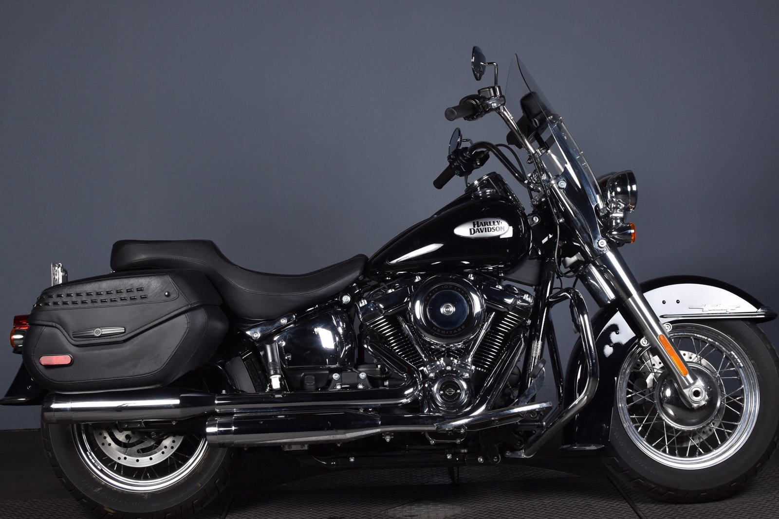 Pre-Owned 2021 Harley-Davidson Softail Heritage Classic FLHC
