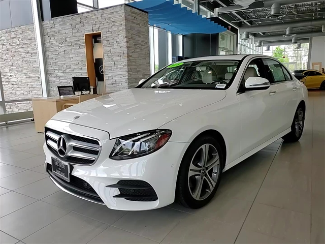 Certified Pre-Owned 2018 Mercedes-Benz E 300 Sport 4MATIC®
