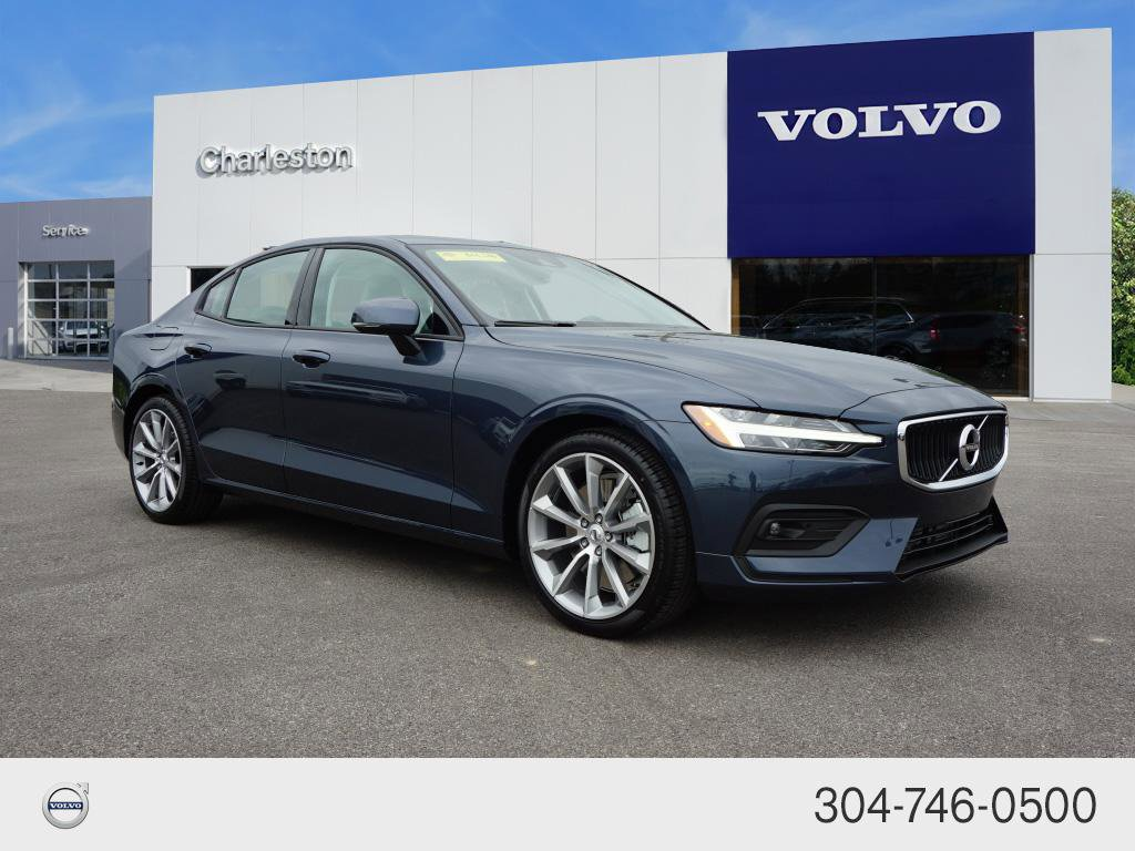 Certified Pre-Owned 2021 Volvo S60 Momentum