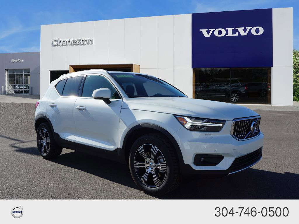 Certified Pre-Owned 2021 Volvo XC40 Inscription