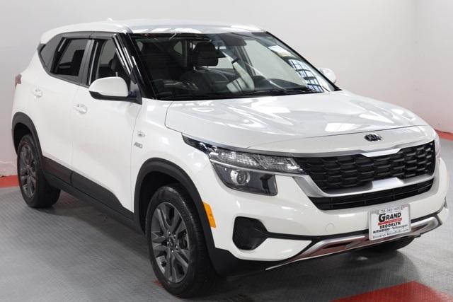 Pre-Owned 2021 Kia Seltos LX