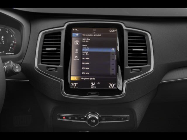 New 2021 Volvo XC90 T6 Momentum