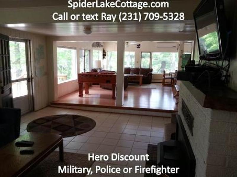 Spider Lake Cottage: 2Lakes