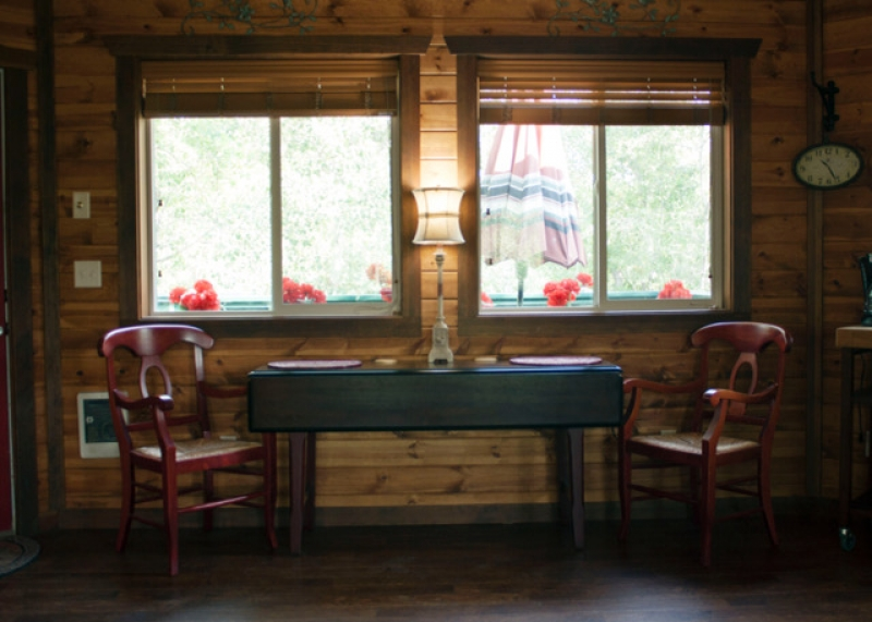 Gallatin River Hideaway: Cardinal Treehouse 9