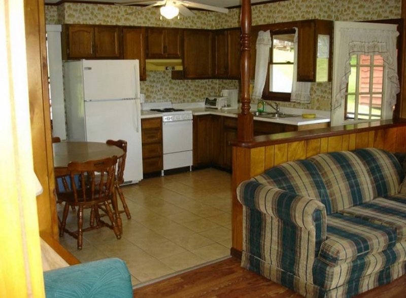 The Gold Eagle Resort: Cottage 1 at THE GOLD EAGLE RESORT