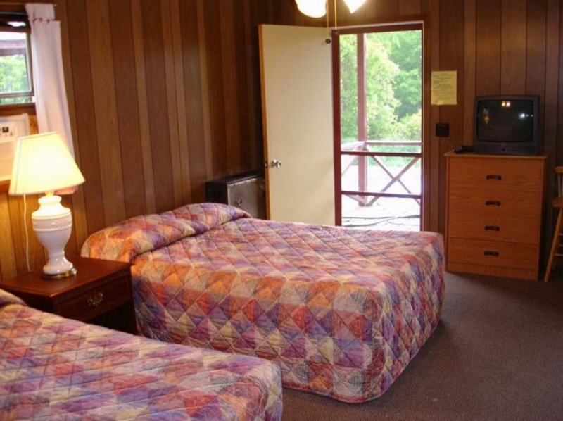 The Gold Eagle Resort: Cottage 11
