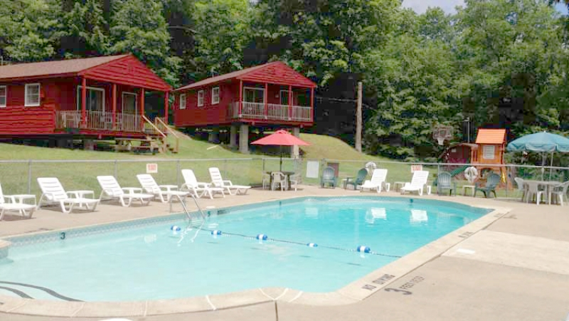 The Gold Eagle Resort: Cottage 8