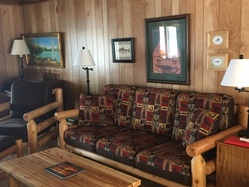 Journey's End Lodging: The Lake House