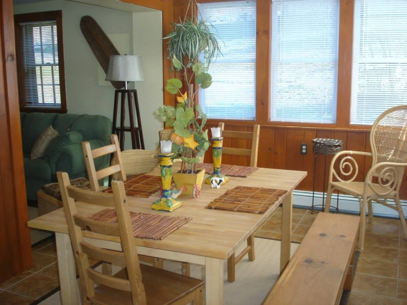 Willow Lake Farms: The Lakeside Log Cabin