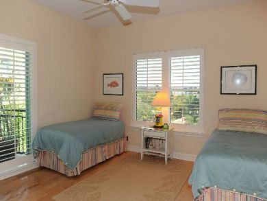 guest bedroom 2 with twin beds