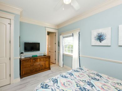 Eight Bedroom - Sleep 16 North Holmes Beach One Min to Beach