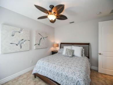 North Holmes Beach 8 Bedroom Vacation Home Sleeps 16