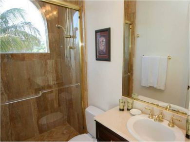 Bathroom 4 with Walk-in Shower