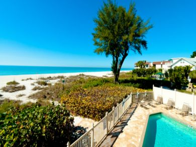 Holmes Beach Luxury Condo Rental Communal Pool & Gulf Views