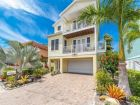 6 Bedroom w/ Boat Dock and pool sleeps 14 Anna Maria Rental