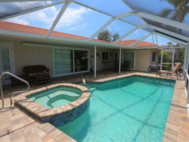 Longboat Key Homes with Pools to Rent in Country Club Shores