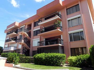 Lido Key Monthly Vacation Rental Condo 2 Bedrooms