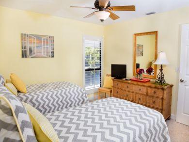 Captiva Island Vacation Home Rent Three Bedrooms Sleeps 6