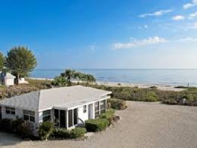 A True Walk Out to Sand Stunning Beach Cottage