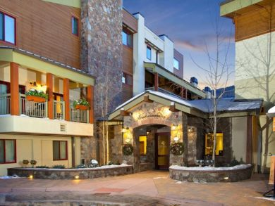 Lionshead Luxury 2 Bedroom Vacation Ski Condo - Walk to Lift