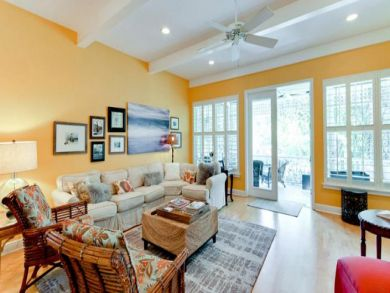 Beautifully Decorated North End Anna Maria 3 Bedroom Rental
