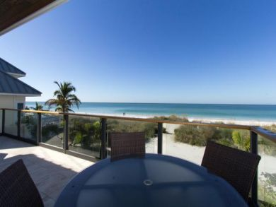 Anna Maria Beachfront Rental with Private Pool