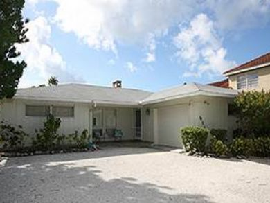 Canal front vacation home in Longboat Key