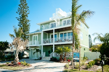 Holmes Beach rental sleeps 10